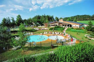 Vvf village tence 110 appartements d s 279 for Piscine yssingeaux
