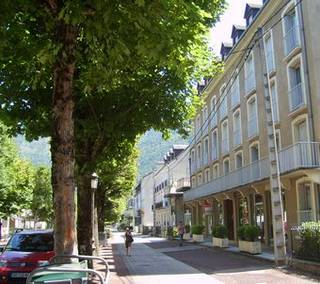 Location derniere minute bagn res de luchon location for Location hotel france derniere minute