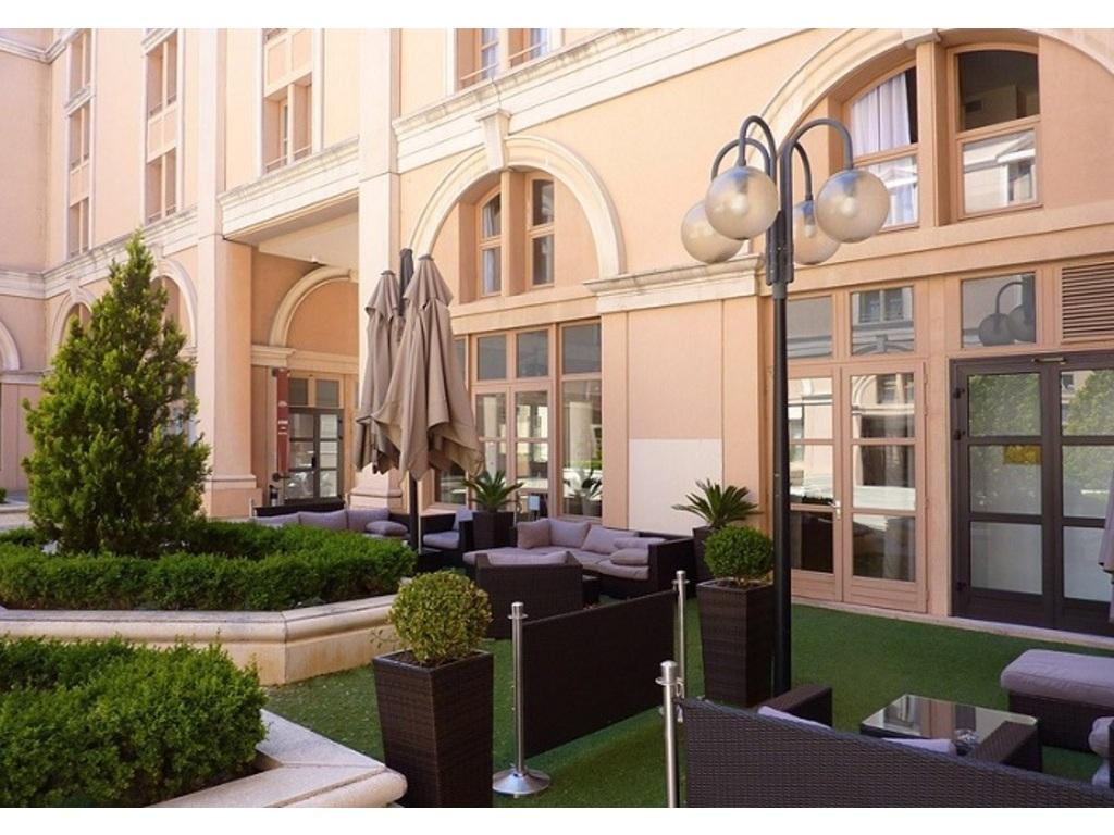 Appart 39 h tel odalys l 39 atrium aix en provence 159 for Appart hotel odalys