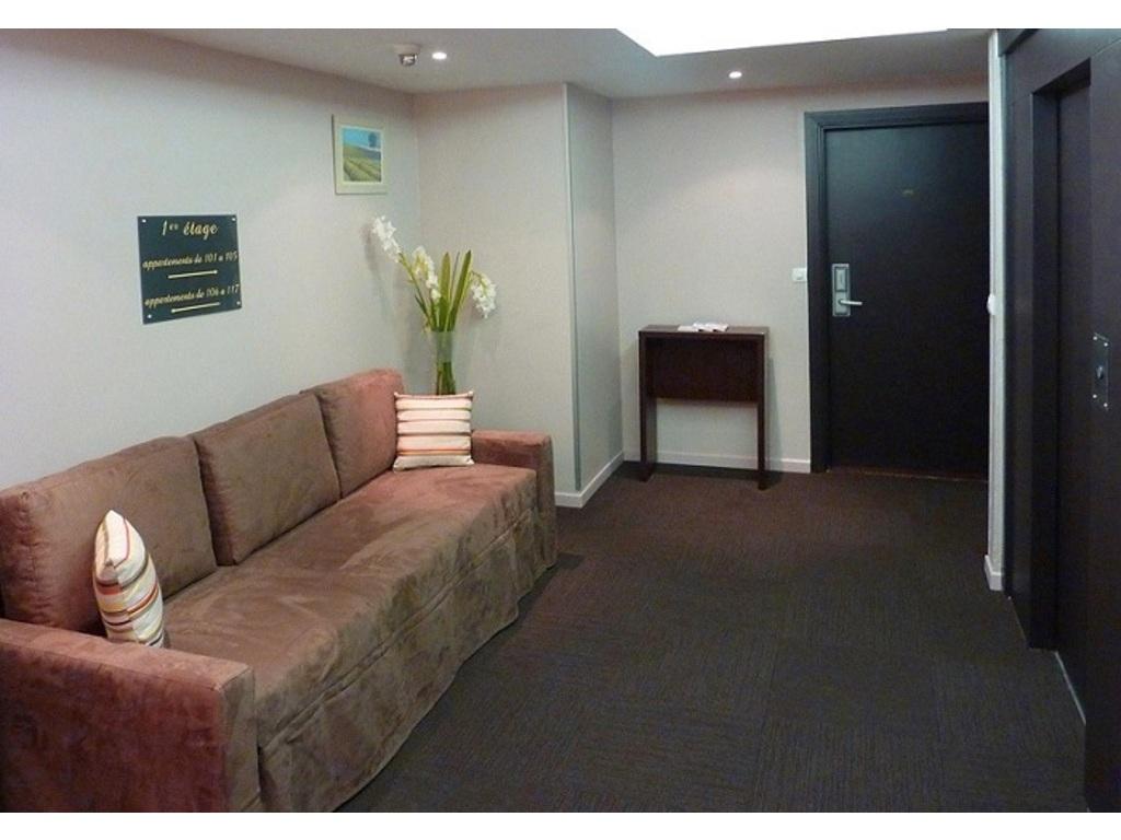 Appart 39 h tel odalys l 39 atrium aix en provence 116 for Location appart hotel