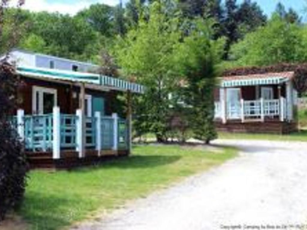 Camping Au Bois Du Ce (Chambretaud à 5 km)
