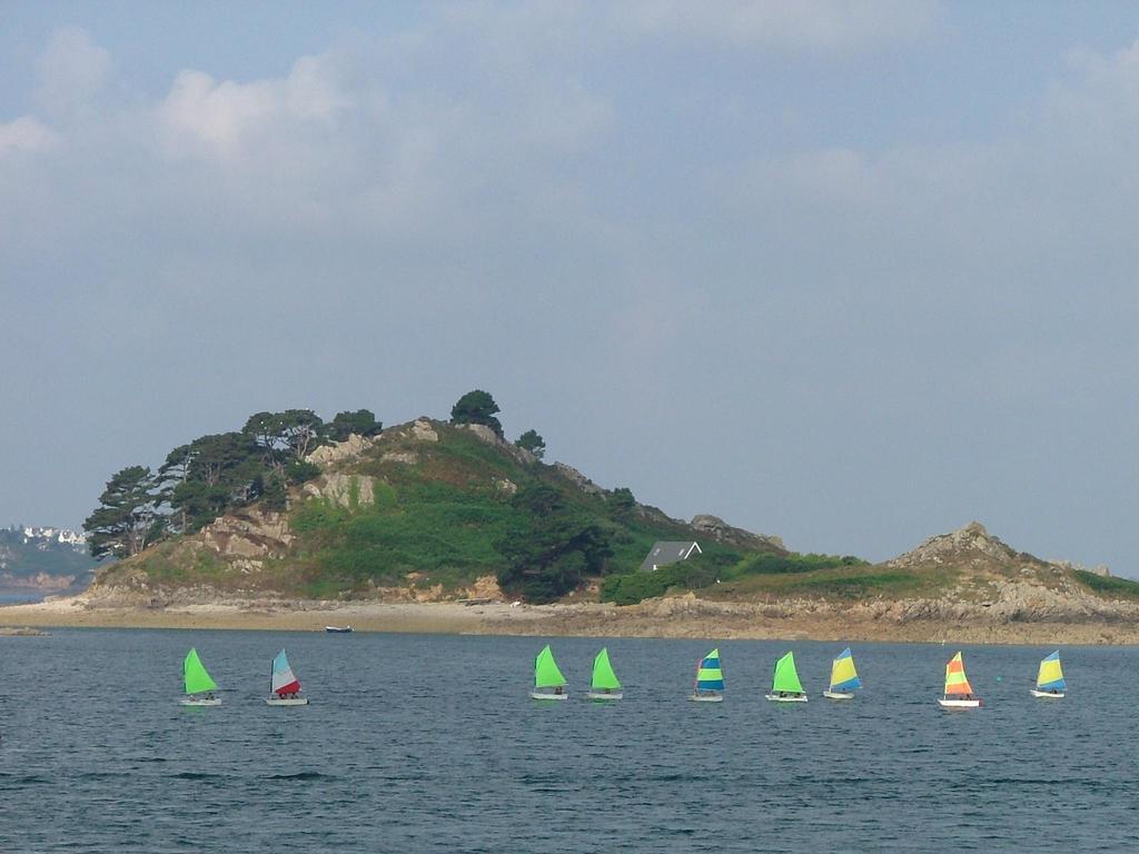 Camping Baie De Terenez (Plouezoc'h à 5 km)