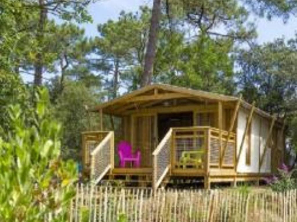 Camping Les Pins *
