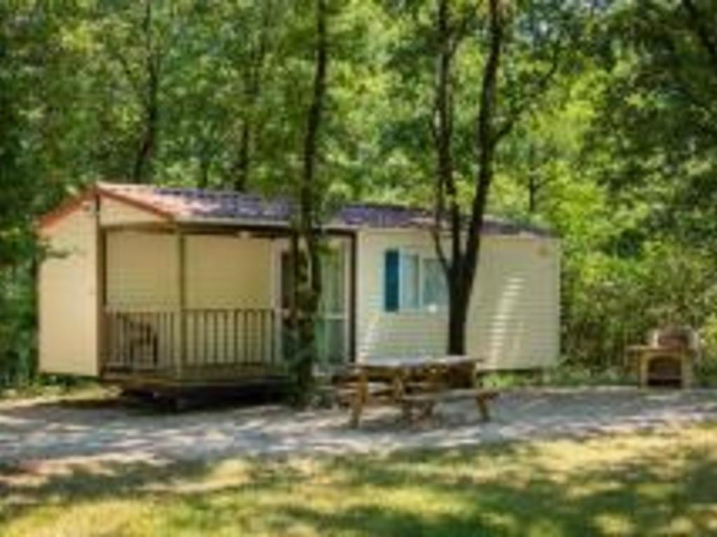 Camping Domaine De Miraval (Belleserre à 13 km)