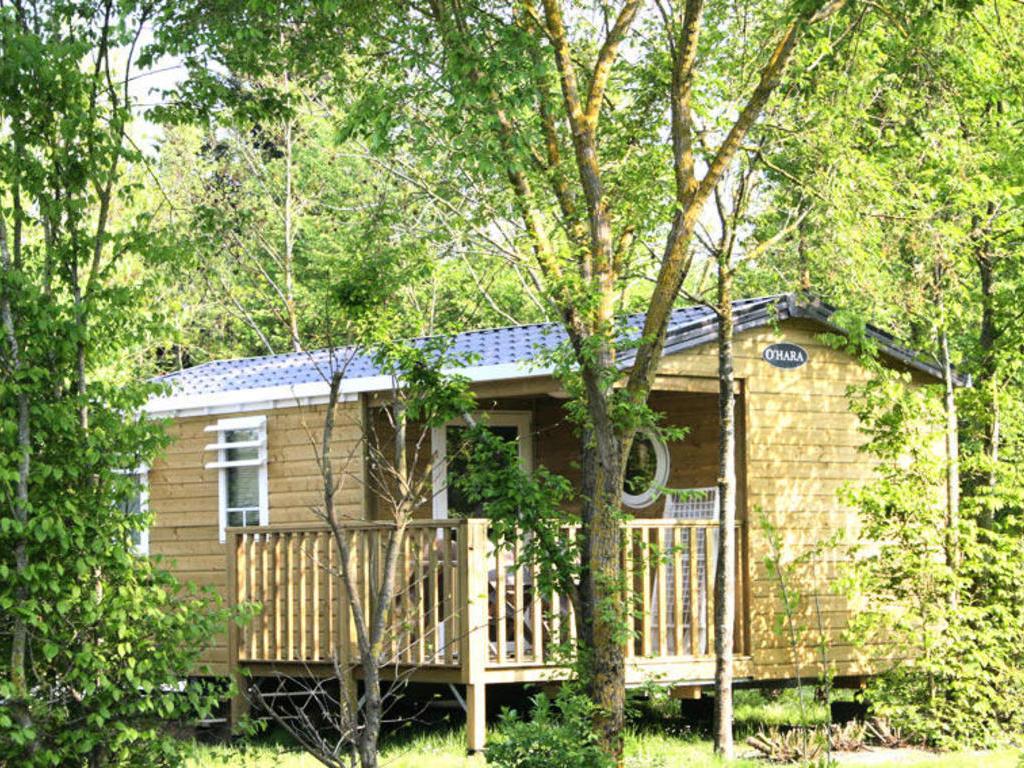 Camping L'ile Cariot (Chaillé-les-Marais à 10 km)