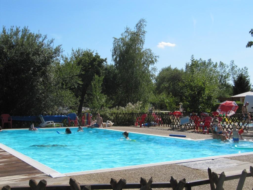 Camping la ferme de prunay seillac blois 96 locations for Camping a la ferme auvergne piscine