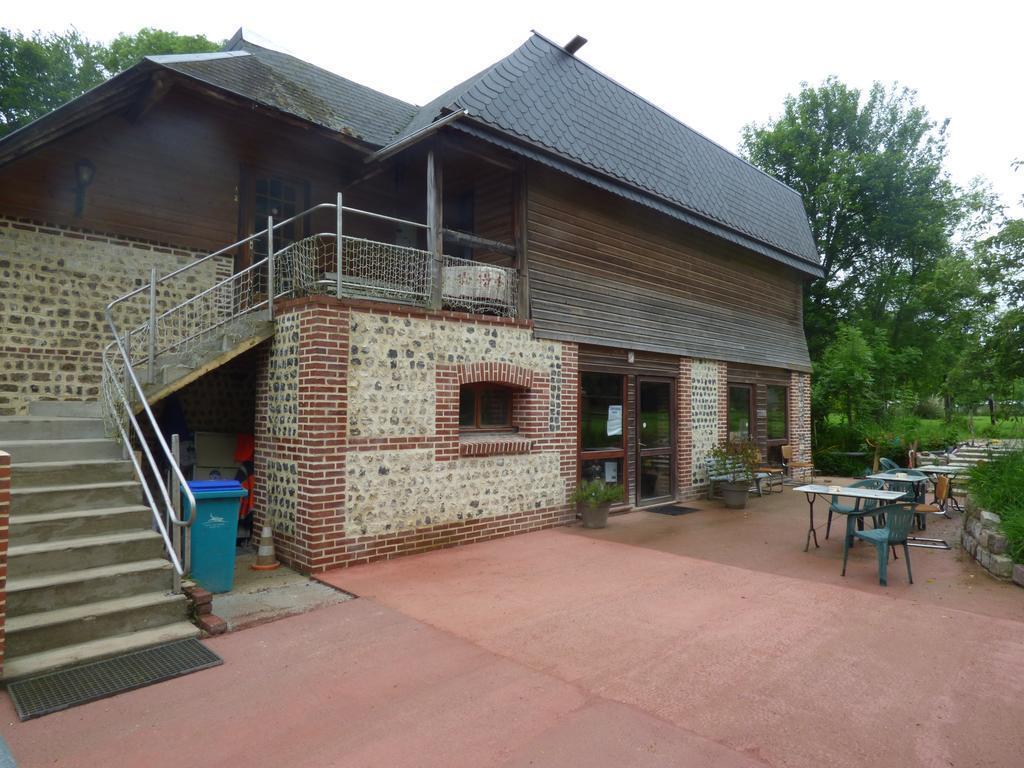 Camping La Ferme Du Manoir (Bordeaux-Saint-Clair à 3 km)