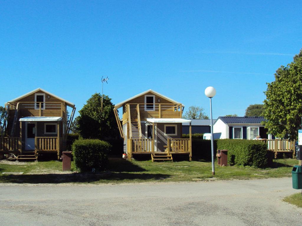 Camping La Garenne De Moncourt (Rue à 5 km)