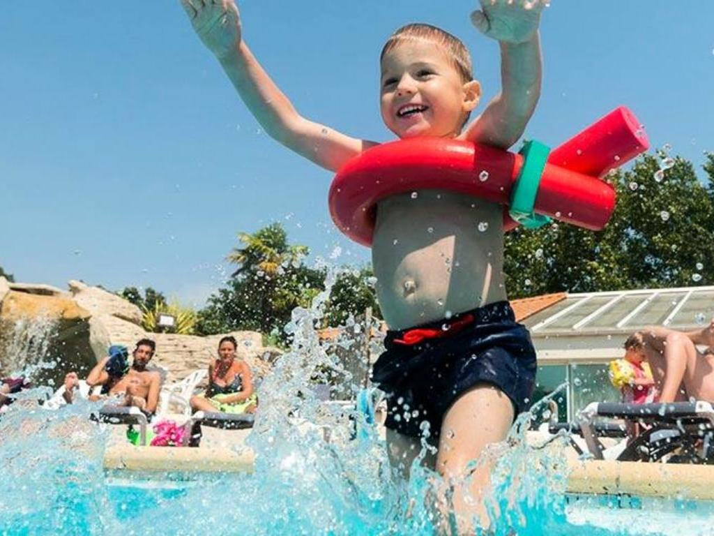 ST-HILAIRE-LA-FORET CAMPING LA GRAND'METAIRIE