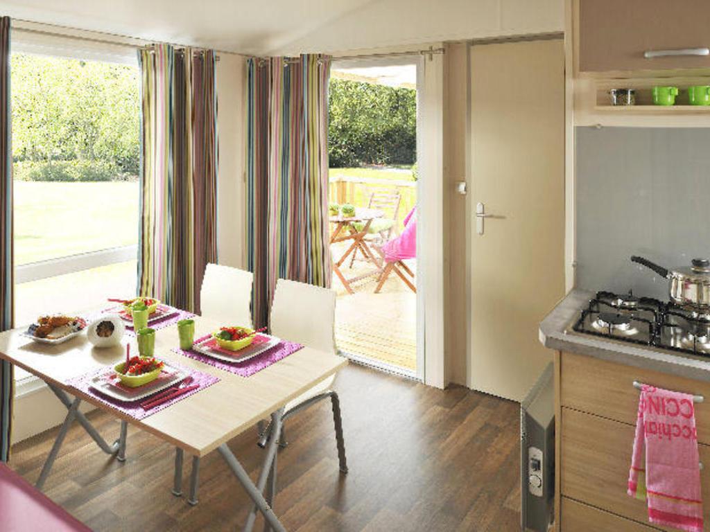 camping la pomme de pin saint hilaire de riez 60 locations d s 324. Black Bedroom Furniture Sets. Home Design Ideas