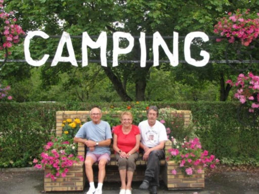 Camping Le Petit Beauregard (Le Fenouiller à 3 km)