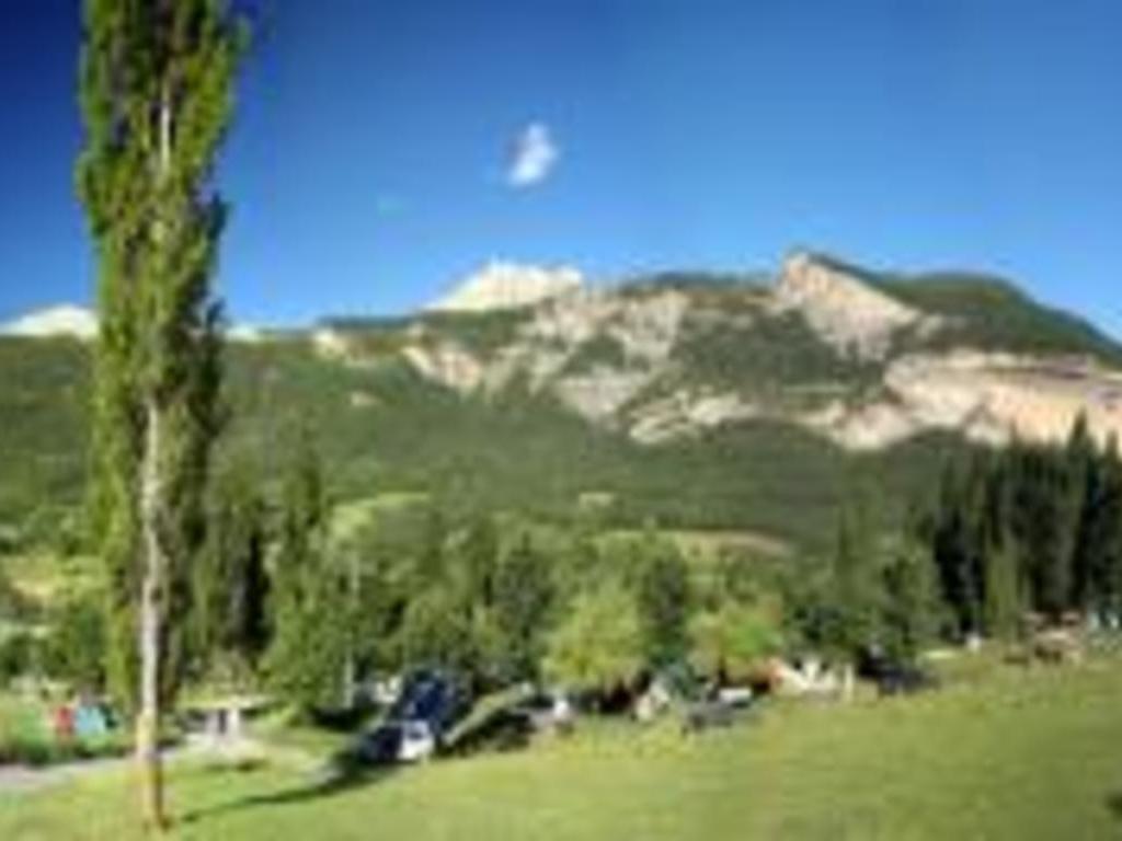 Camping Le Prieure (Saint-Martin-d'Entraunes à 10 km)