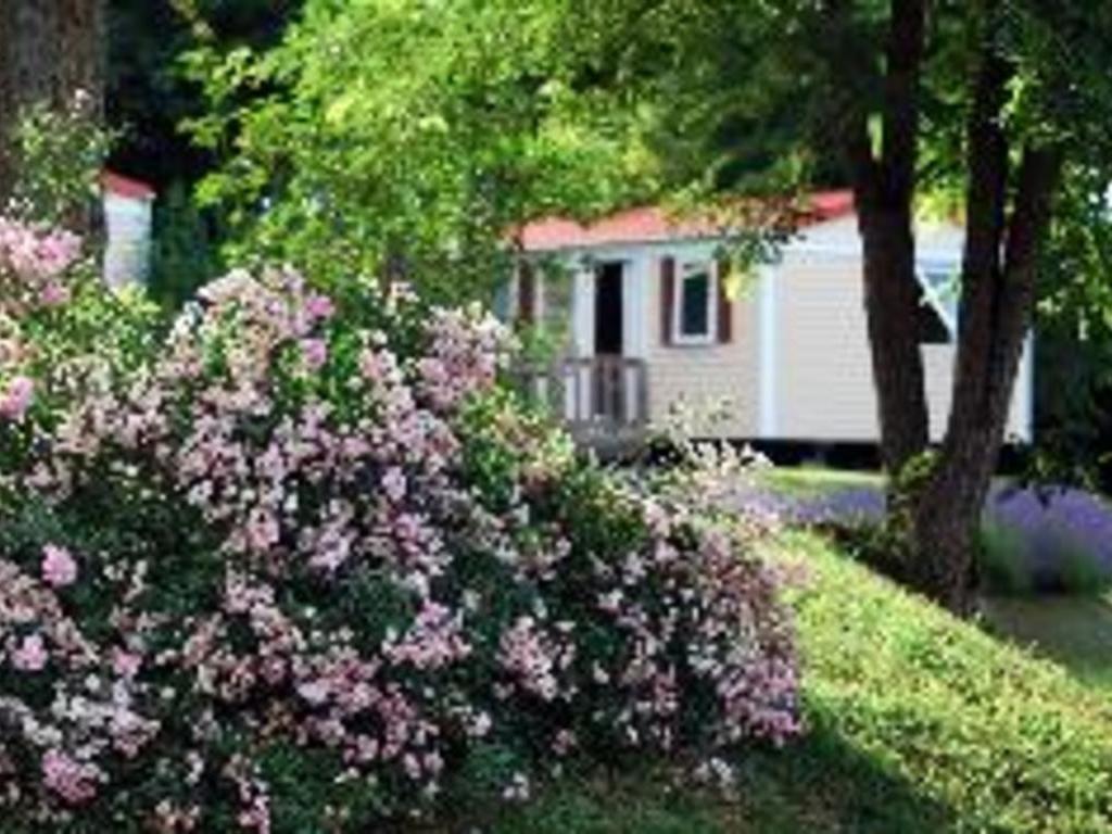 Flower Camping LE TEMPS DE VIVRE