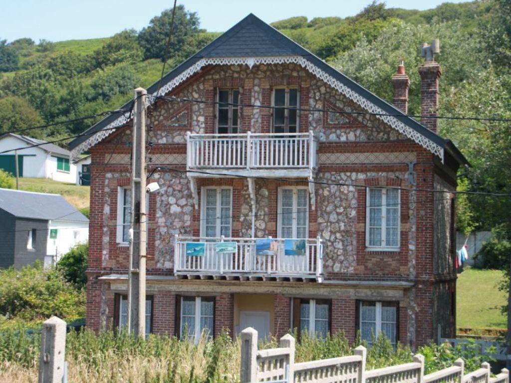 Camping Les Falaises (Saint-Pierre-en-Port à 11 km)