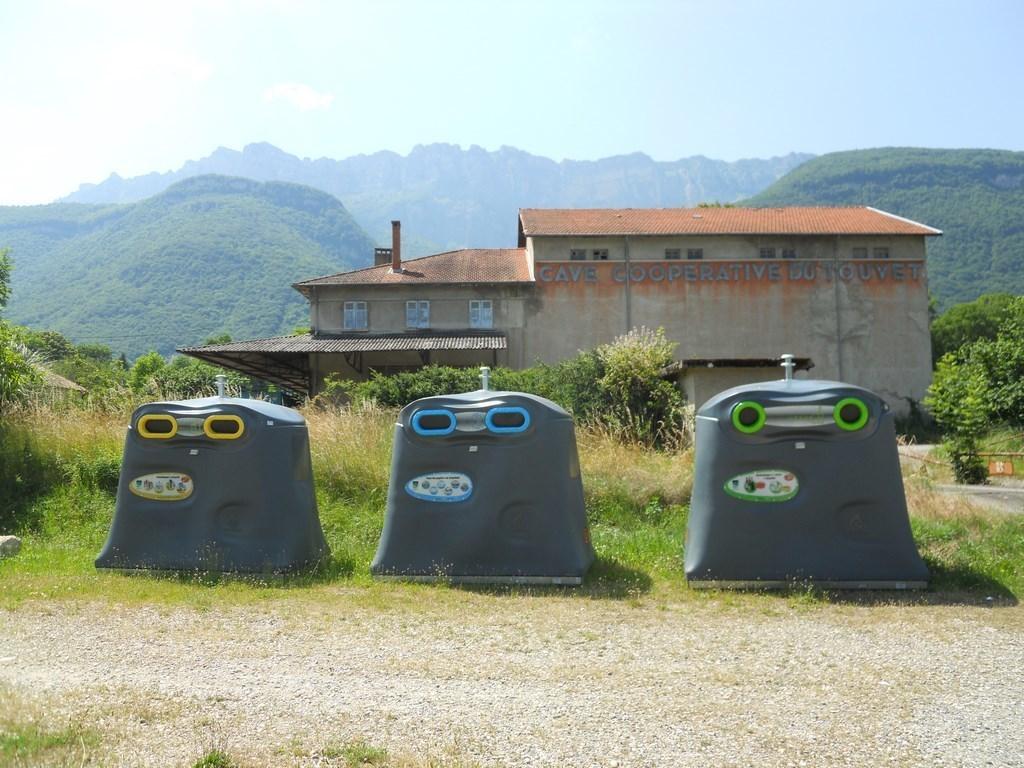 Camping Municipal La Combe (Saint-Vincent-de-Mercuze à 9 km)