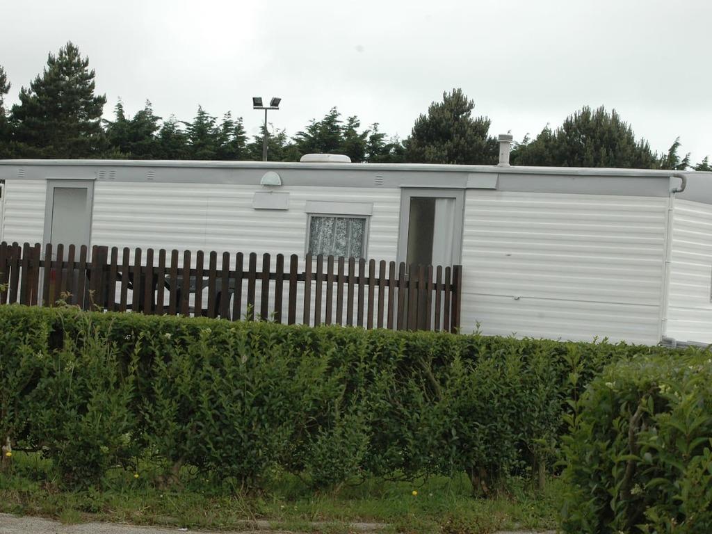 Camping Municipal Les Mouettes (Saint-Martin-aux-Buneaux à 15 km)