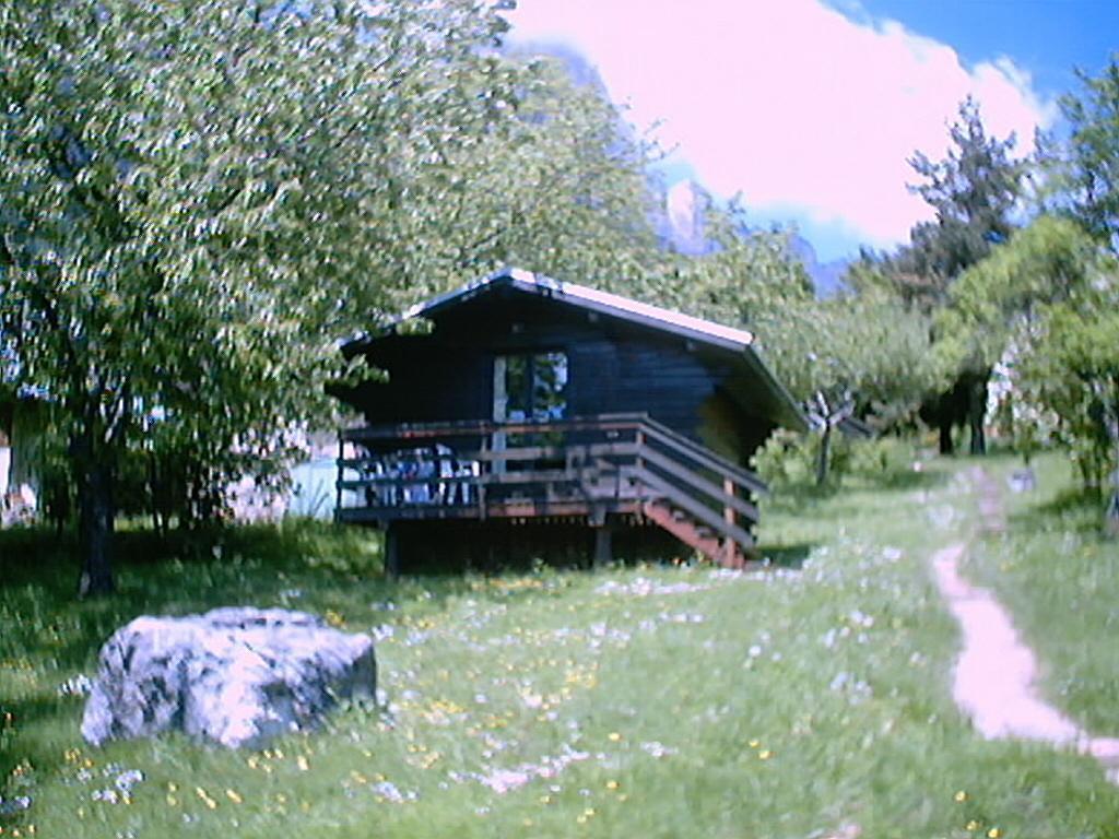 Camping Municipal Les Petites Roches (Saint-Hilaire à 11 km)