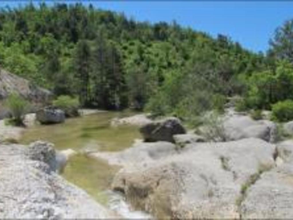 Camping Valsaintes Le Chateau (Simiane-la-Rotonde à 12 km)