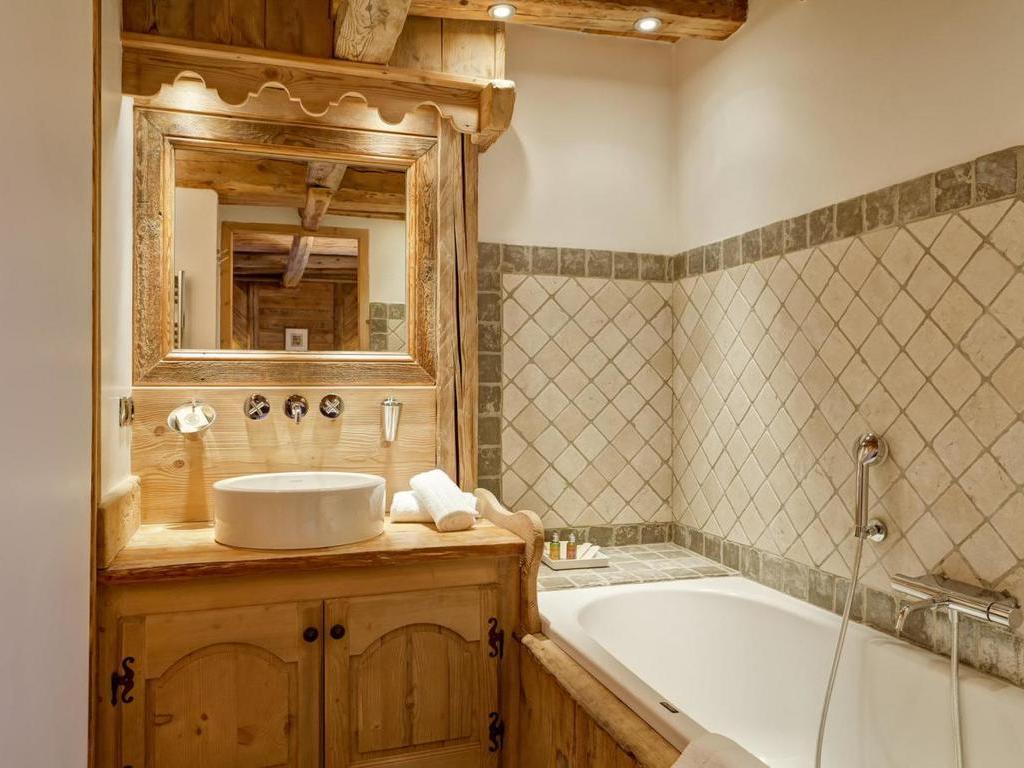 chalet la maison du praz courchevel 1300 courchevel 4 locations disponibles. Black Bedroom Furniture Sets. Home Design Ideas