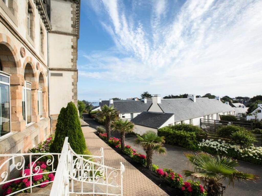 - Le Castel Sainte Anne  (Club en Location)