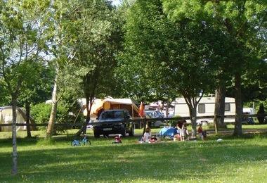 Camping Kity Caravan'inn (Dun-sur-Meuse à 15 km)