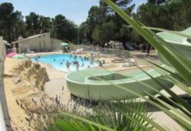 Camping La Pinede En Provence (Mondragon à 4 km)