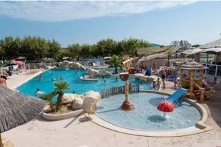 Apartment holiday in Camping La Pinede