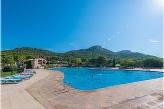 Holiday villages in Domaine de plein-air Castell Montgri