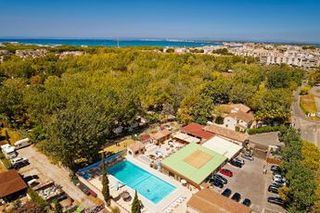 Holiday villages in Camping Abri de Camargue
