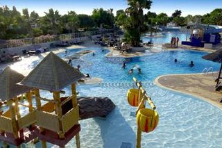 Holiday villages in Camping Le Marisol