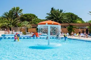 Holiday villages in Camping L'Oasis