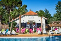 Holiday villages in Camping Beach Club Le Charlemagne