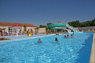 Apartment holiday in Camping Le Cottage Fleuri