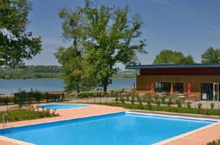 location vacances langres 1 locations langres d s 420 sem. Black Bedroom Furniture Sets. Home Design Ideas