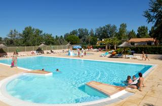 Location vacances le grau du roi 2 211 locations le grau - Camping grau du roi avec piscine ...