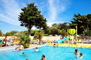 Holiday villages in Camping Les Peupliers