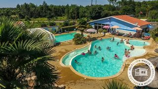 Holiday villages in Camping L'Arbre d'Or