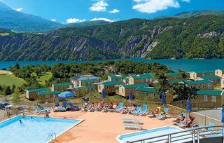 Camping Domaine Les Berges du Lac Le Lauzet