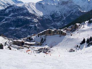 AURIS EN OISANS Sportihome ski