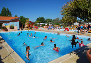 Apartment holiday in Camping Le Puits Rochais